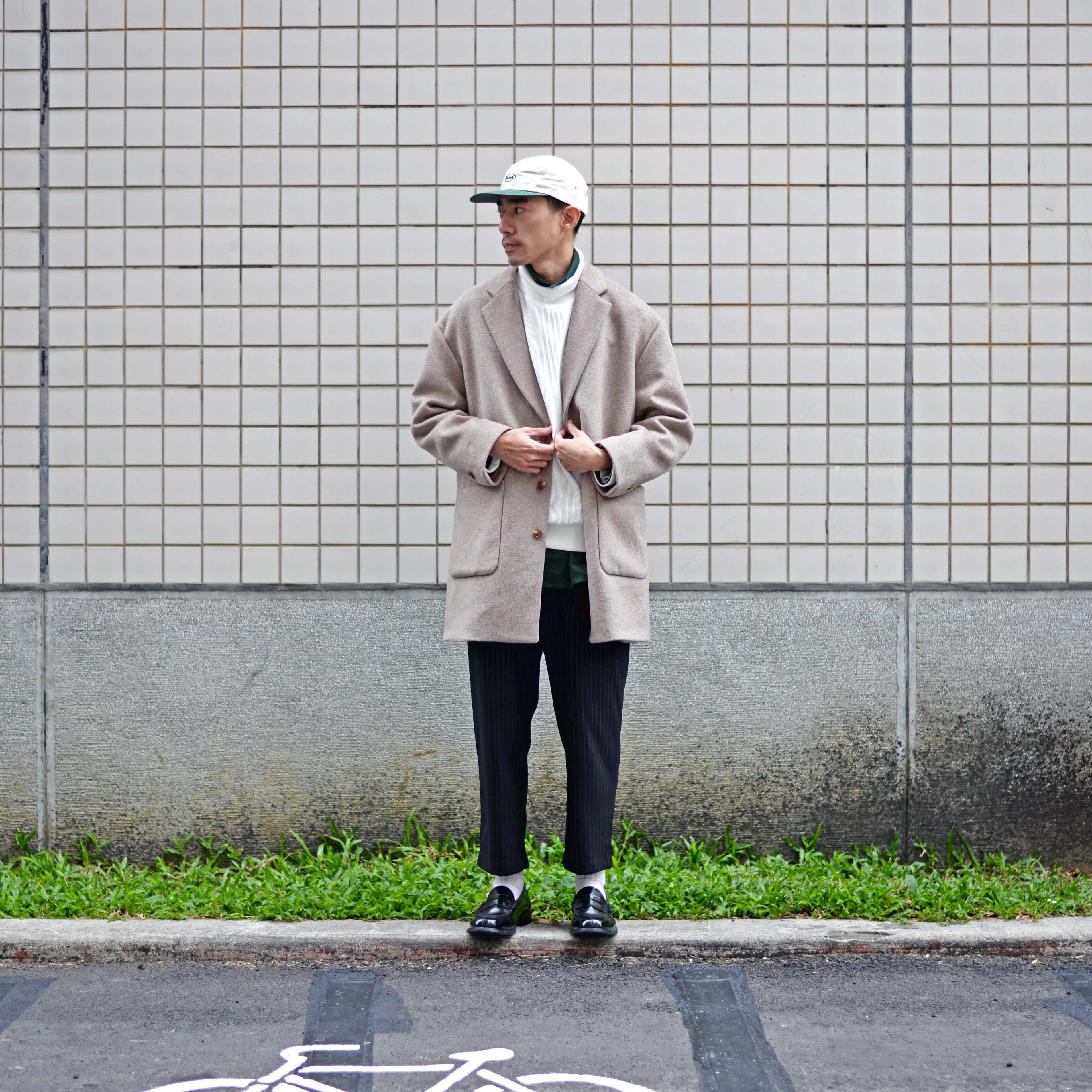 大衣,寬鬆,鬆身,高領,軍裝,軍品,卡其褲,同色系,亮色搭配,顏色搭配,一週搭配,層次,搭配,穿搭,顏色,一週搭配,街頭搭配,男生搭配,river,Wesley,搭配名人