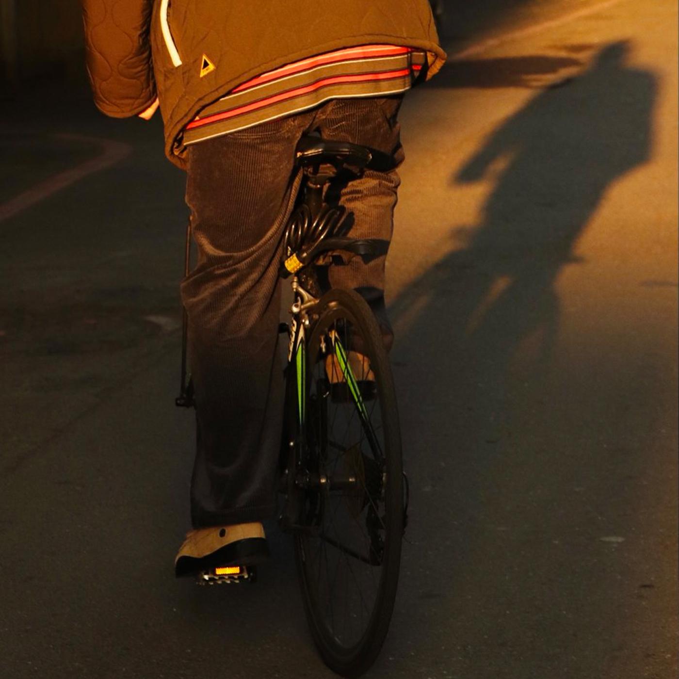 秋冬褲,長褲,換季長褲,軍褲,燈芯絨長褲,寬褲,比例神褲,1616,百搭神褲,時代神褲,九分褲,西裝褲,九分褲穿搭,直筒褲,直筒褲穿搭,寬褲穿搭