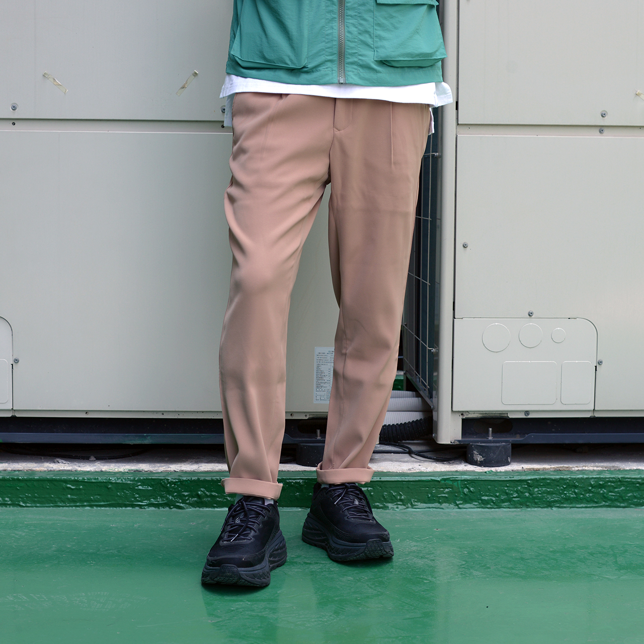 夏天穿搭,夏季穿搭,男生穿搭,街頭,西裝,休閒搭配,akko,akko 褲,一週搭配,街頭搭配,搭配型人,街頭型人,皮鞋,成套,AKKO褲,微寬褲,COP3563,1616 easy 長褲,New Balance M990v5,New Balance,春季穿搭,春天穿搭,春夏穿搭