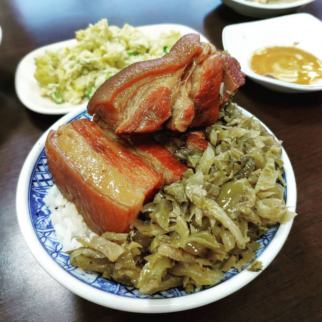 控肉飯 台中,控肉飯推薦,宵夜 台中,李海魯肉飯,南屯蕭 爌肉飯,東興市魯肉義,夜間部爌肉飯